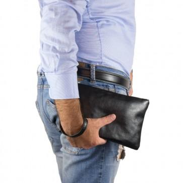 Pochette uomo da polso morbida semplice con maniglia nero outfit