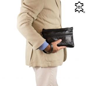 Pochette uomo da polso morbida patchwork con maniglia in pelle outfit nero