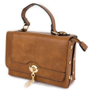 Borsa con borchiette e tracolla da donna